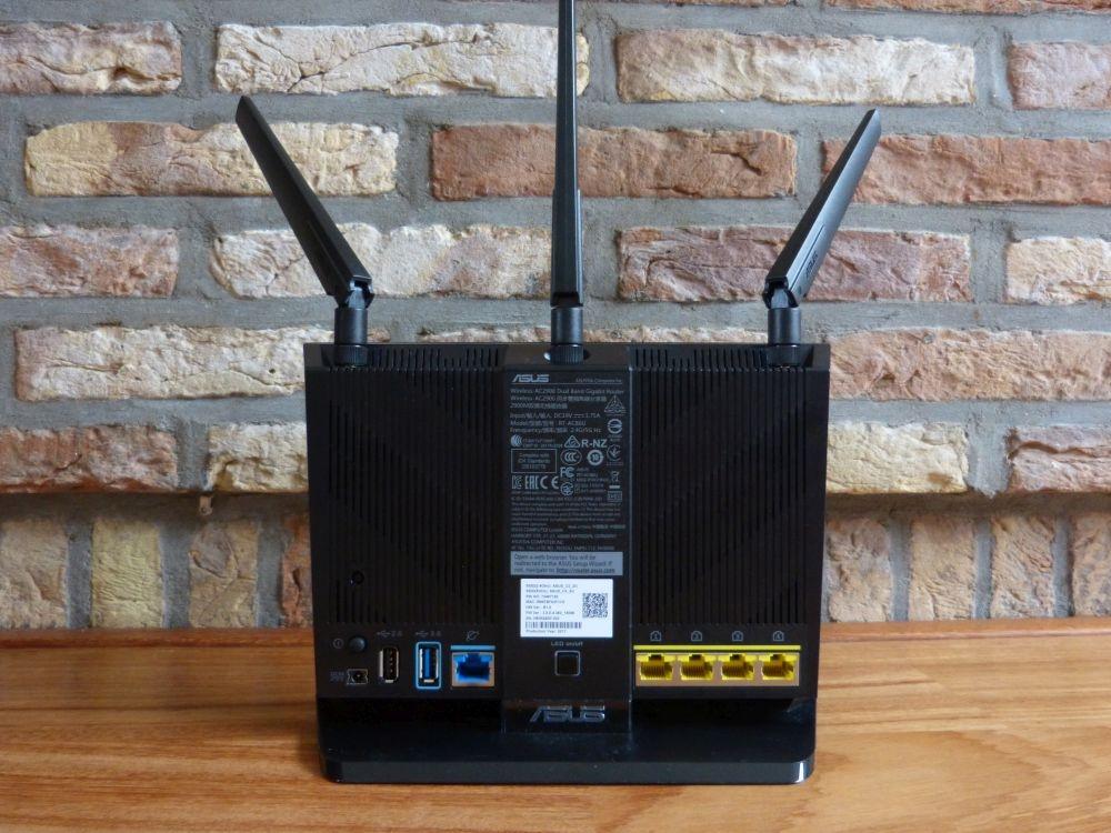 Achterkant router