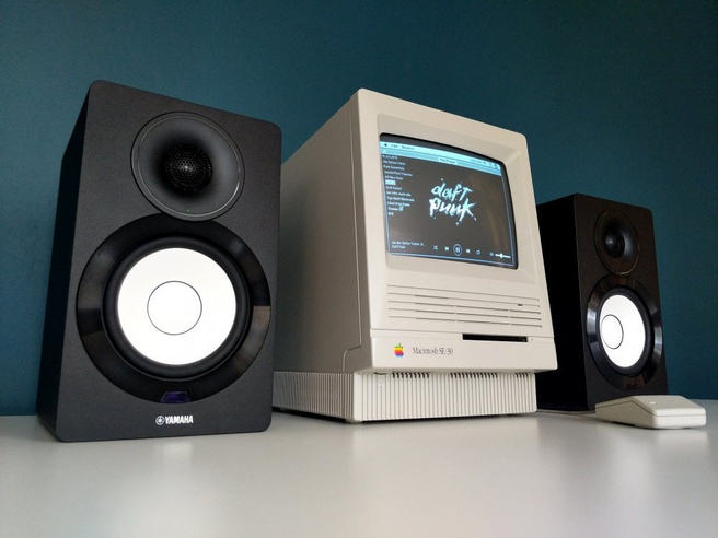 MacPlayer: Macintosh SE/30 met Spotify Connect