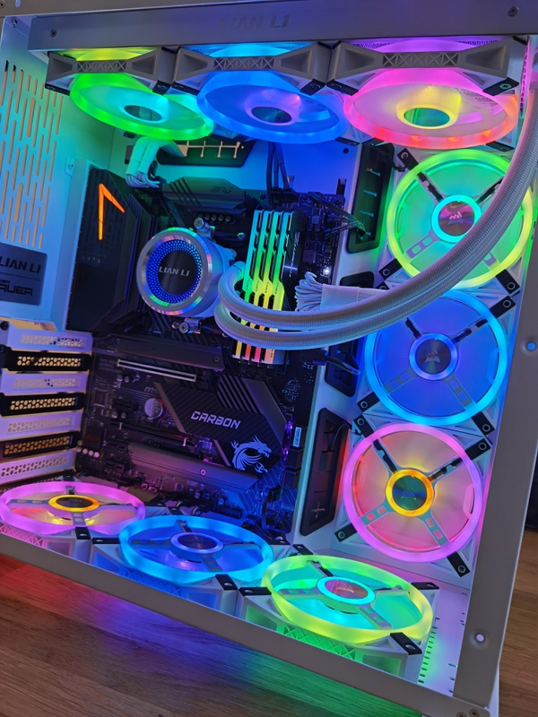 https://tweakers.net/i/VDZ0zajiGORzMg8fOdZ4gxm0H-0=/x800/filters:strip_icc():strip_exif()/f/image/ynXQw4FA14kBbIohKNtQBbQ5.jpg?f=fotoalbum_large