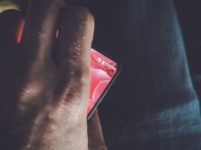 Teaser Andy Rubin Essential-smartphone