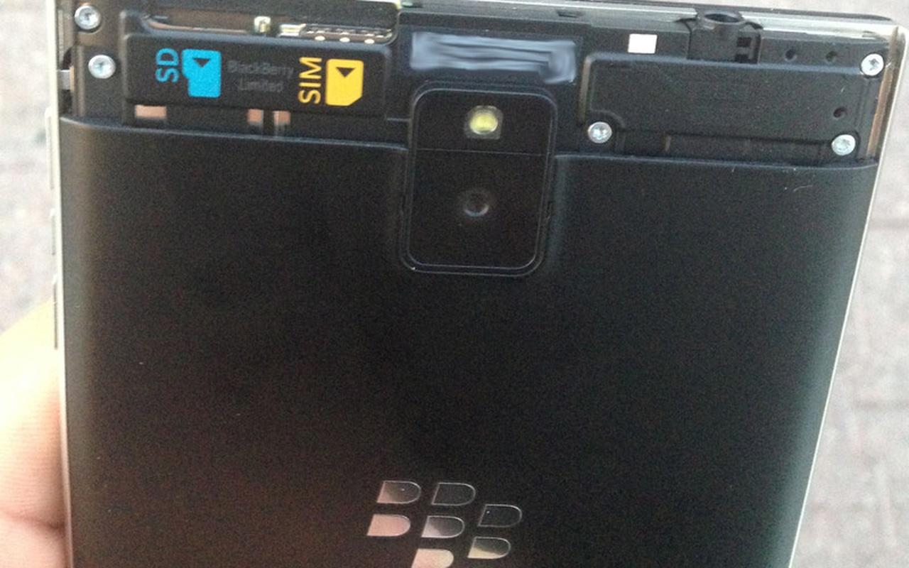 Crackberry-preview BlackBerry Passport