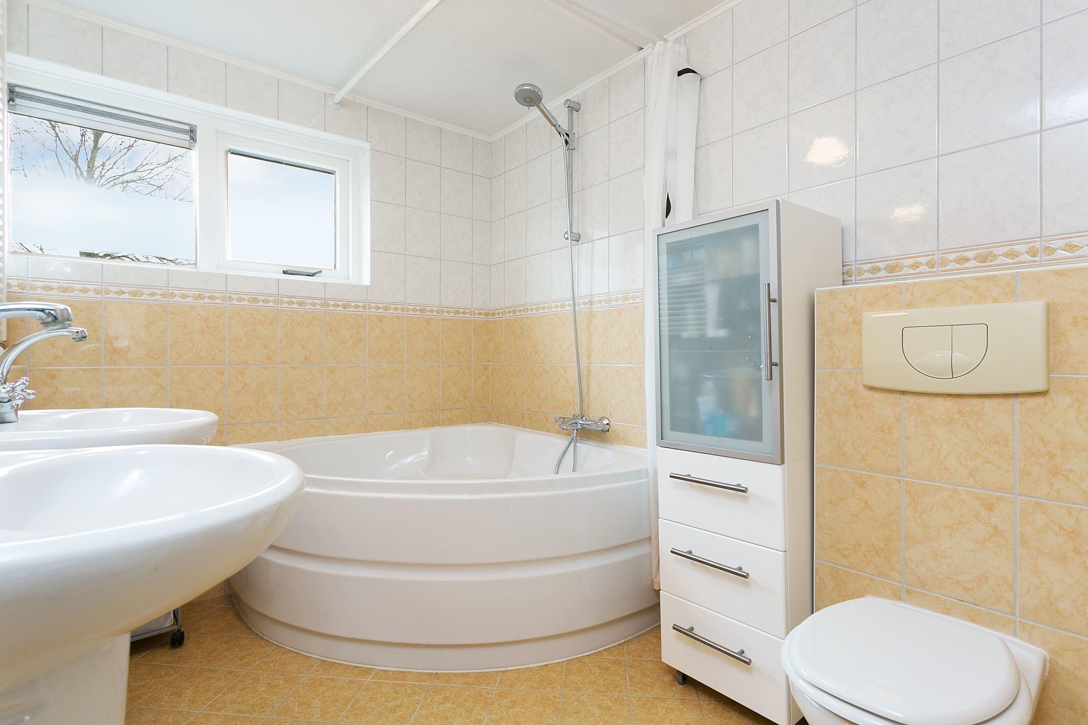 Zelf Badkamer Betegelen : Zelf tegels maken cool zelf tegels maken with zelf tegels maken