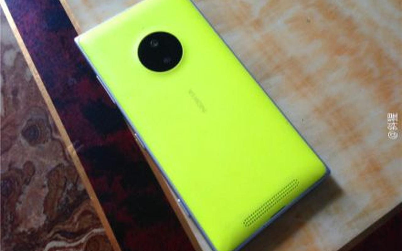 Vermoedelijke Nokia Lumia 830