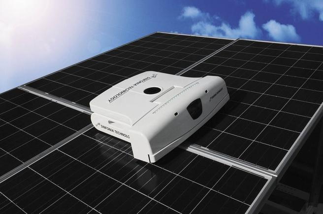 Schoonmaakrobot voor zonnepanelen van Sinfonia Technology
