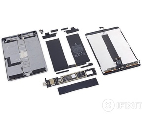 "Teardown Apple iPad Pro 10,5"" 2017. Bron: iFixit"