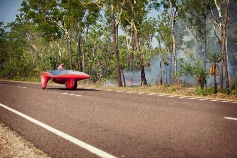 Bosbranden op traject World Solar Challenge 2011