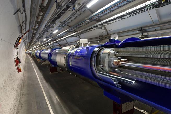 3D doorsnede van LHC bundelpijp en supergeleidende magneten. Plaatje: Daniel Dominguez/CERN