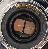 Samsung 45mm f/1,8 2d 3d lens 200px