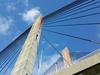 Buitenfoto - Brug en blauwe lucht