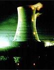 Koeltoren kerncentrale bij nacht