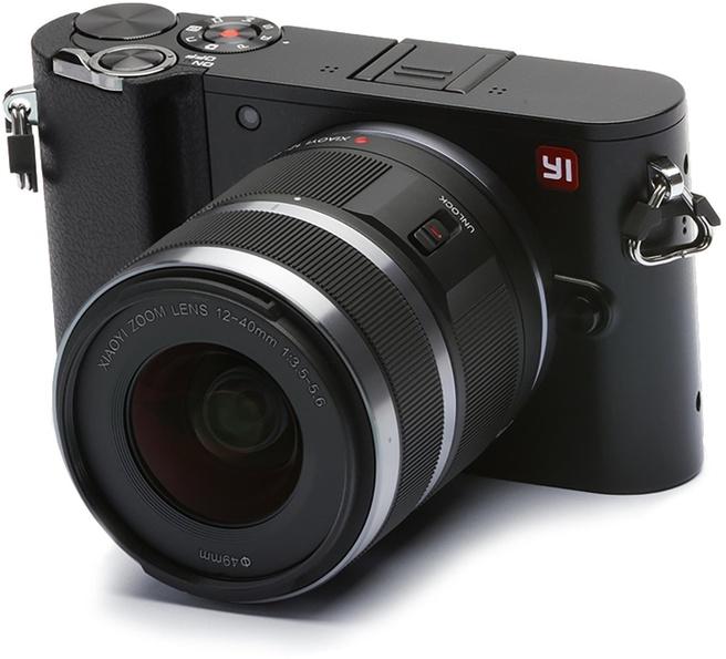 YI Technology M1 + YI 12-40mm F3.5-5.6 Lens Zwart