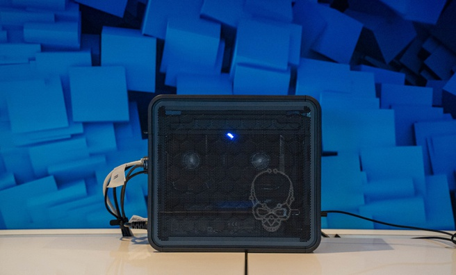 Intel Ghost Canyon NUC 9 Extreme