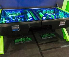 Nanoxia watergekoelde systemen in bureau