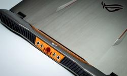 Asus GX700 gaminglaptop Review