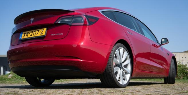 Tesla Model 3 achterkant