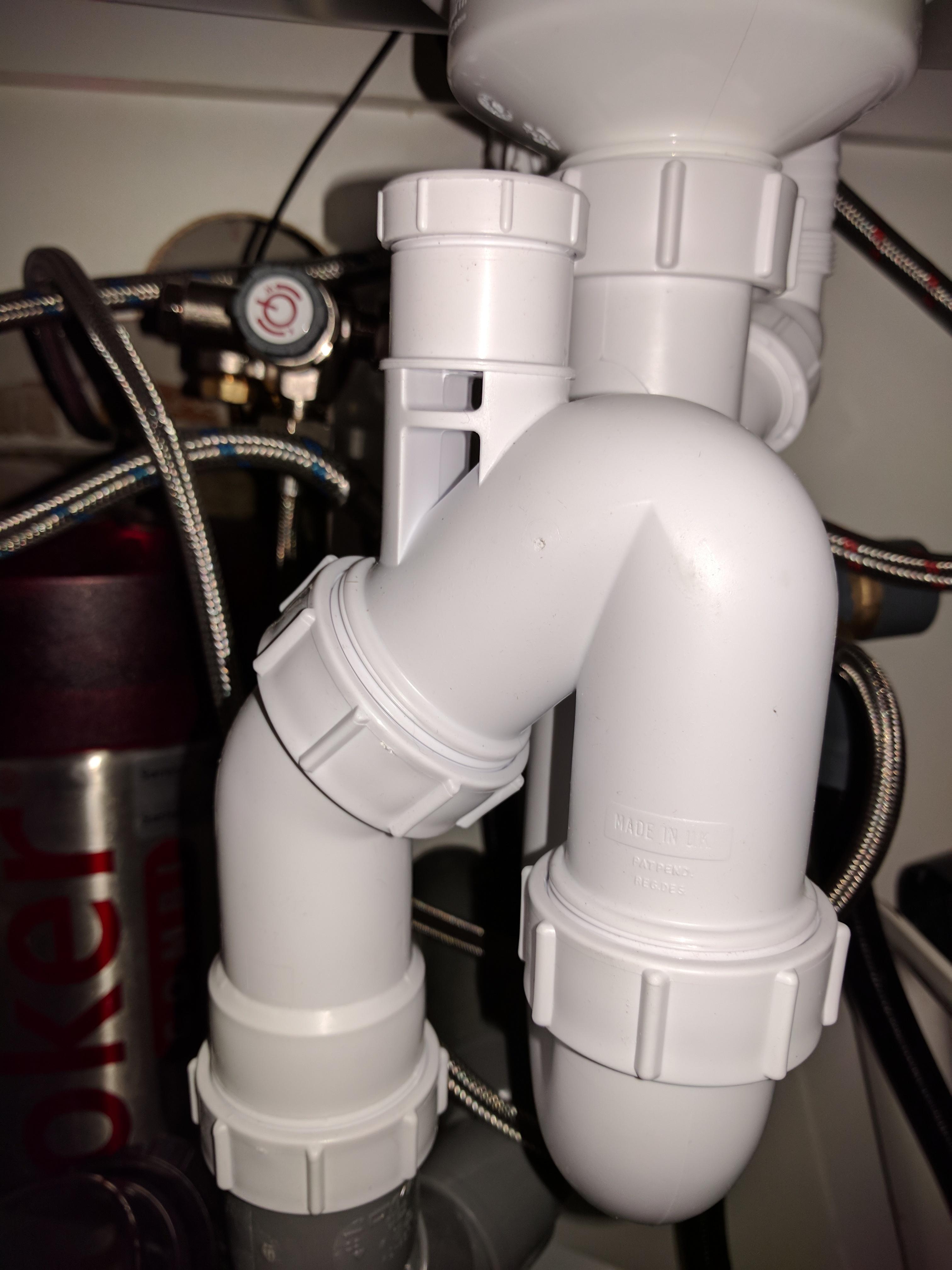 Vaak douche afvoer borrelt bij afpompen wasmachine - Wonen & Verbouwen HW53