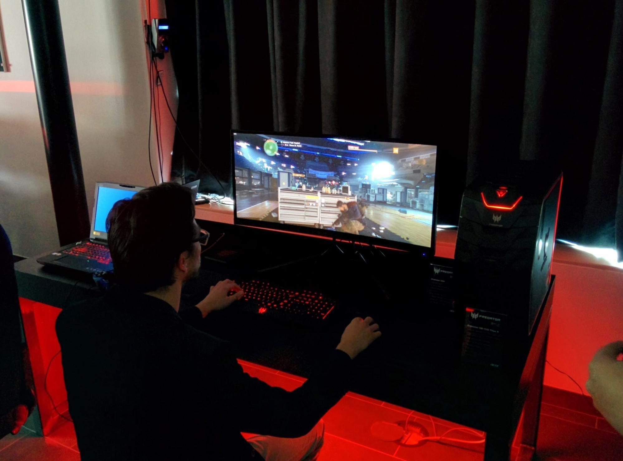 Gamen tijdens het Acer event