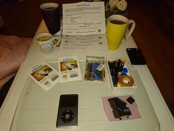 Koffie, thee en spulletjes liggen klaar
