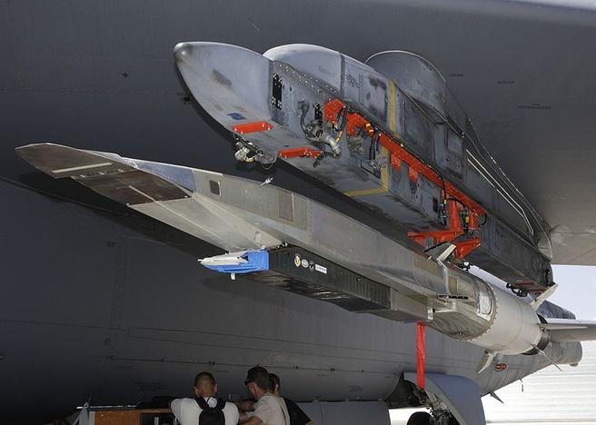 X-51A Wave Rider onder vleugel van B-52 (Bron: Wikipedia)