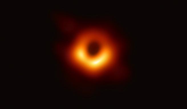 M87 zwart gat