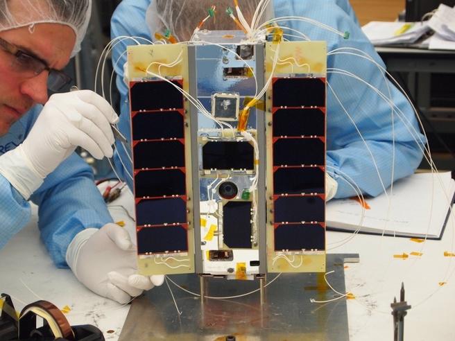 STRaND-1 nanosatelliet