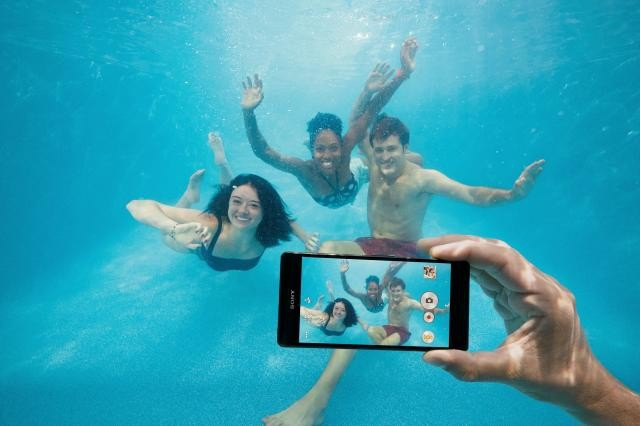 Xperia Z3 onder water - mag niet!
