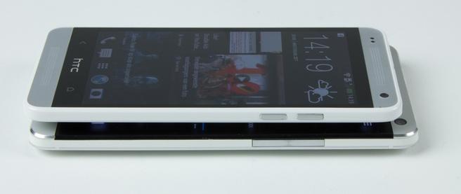 HTC One mini bovenop One