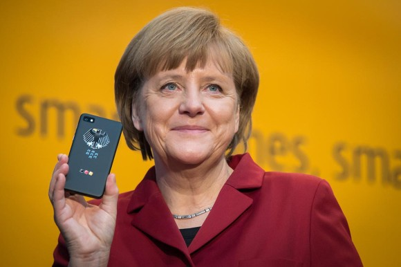 Merkel met BlackBerry Z10
