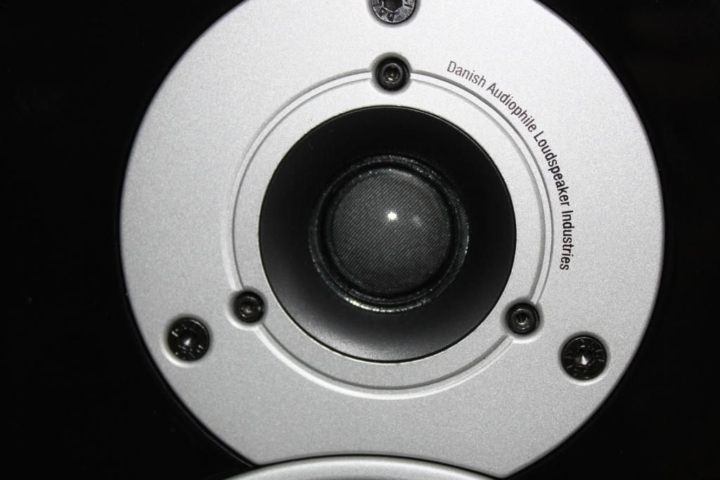 http://ic.tweakimg.net/ext/i/productsurvey/50945/19640.jpg