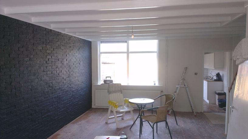 Slaapkamer Muur Schilderen : Bruine slaapkamer muur : Schilderen Trap ...