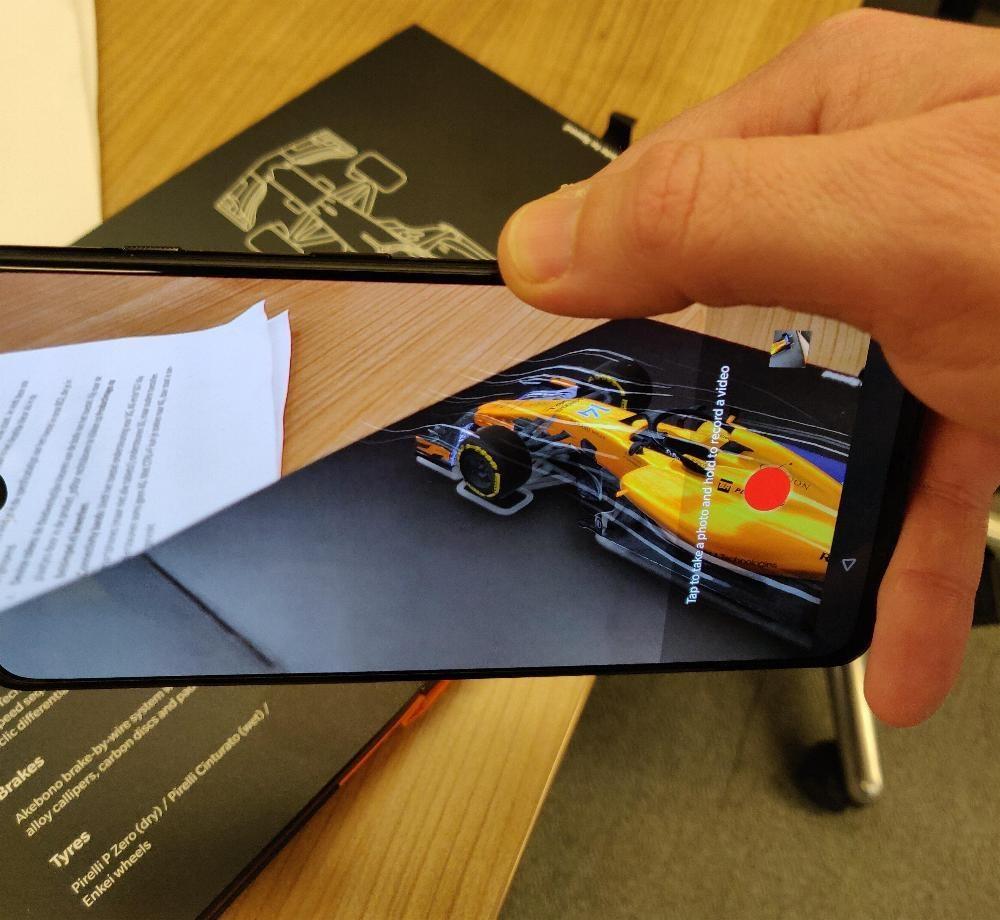 OnePlus 6T McLaren Edition - easteregg