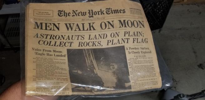 NYT voorpagina maanlanding