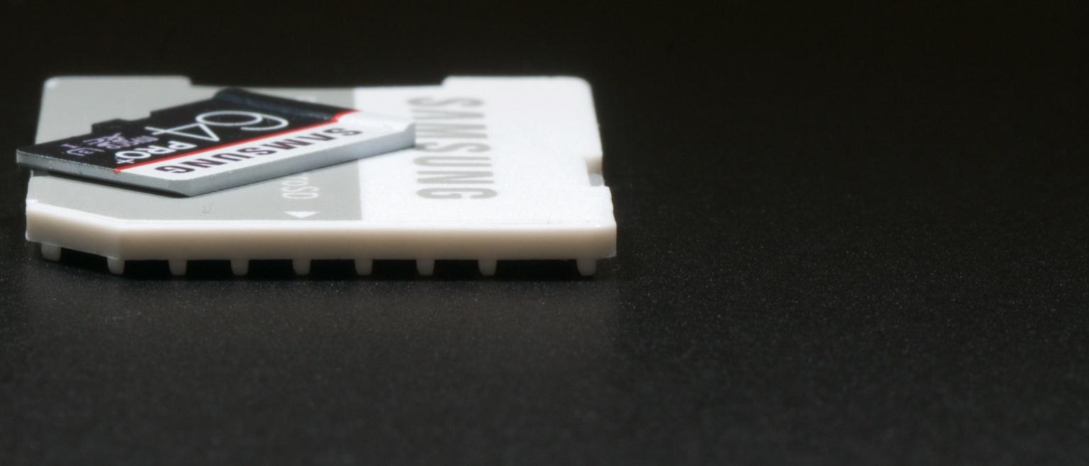 microSD op adapter (voor)