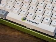 Tweakers keyboard close-up