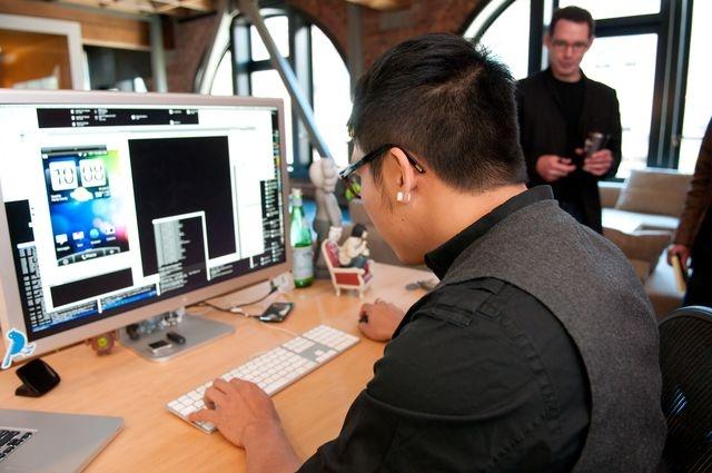 HTC-ontwikkelaar herschrijft Sense-homescreen in Flash