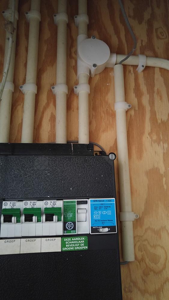 Bekend Zelf stopcontact plaatsen in meterkast? - Modding, Mechanica DF68