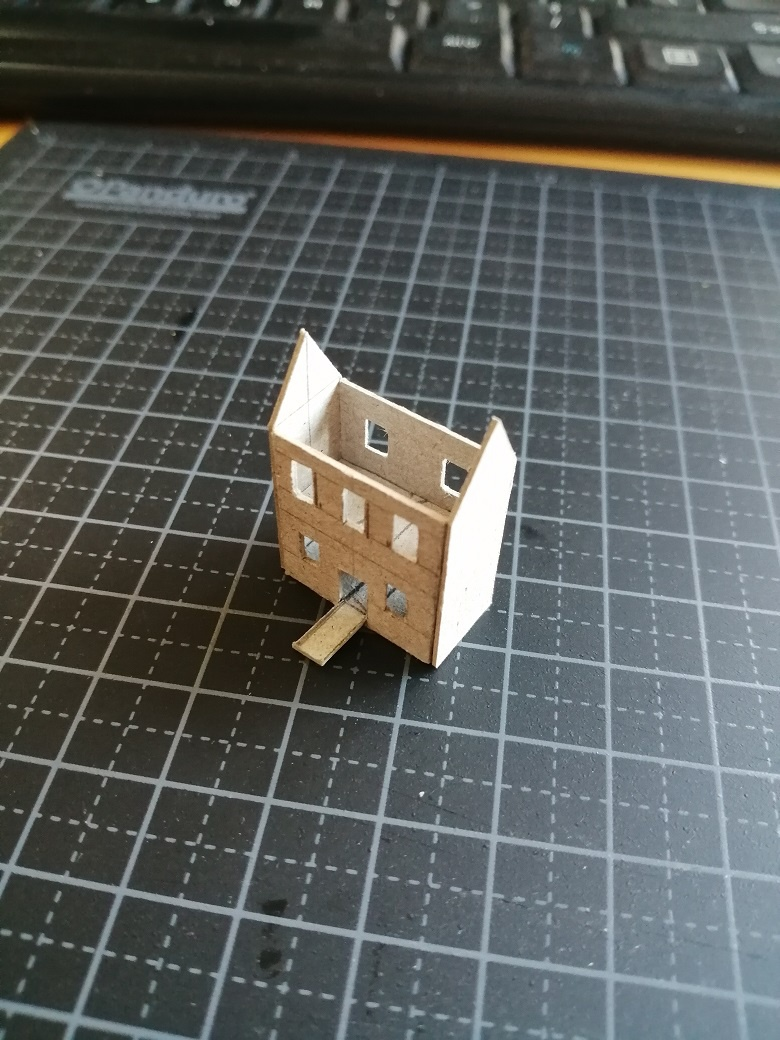 A mini minature - The Blank Space In-Between - Tweakblogs