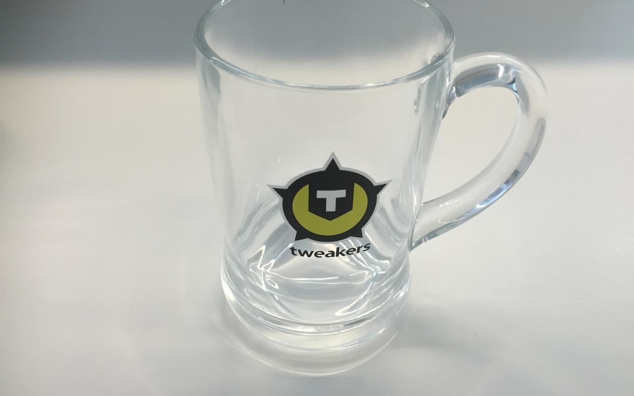 Tweakersgear met het oude logo.