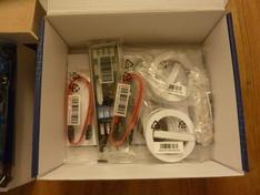 Accessoires onderin doos