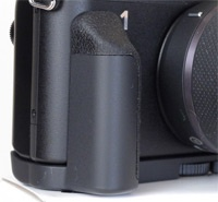 Nikon 1 external grip 200px