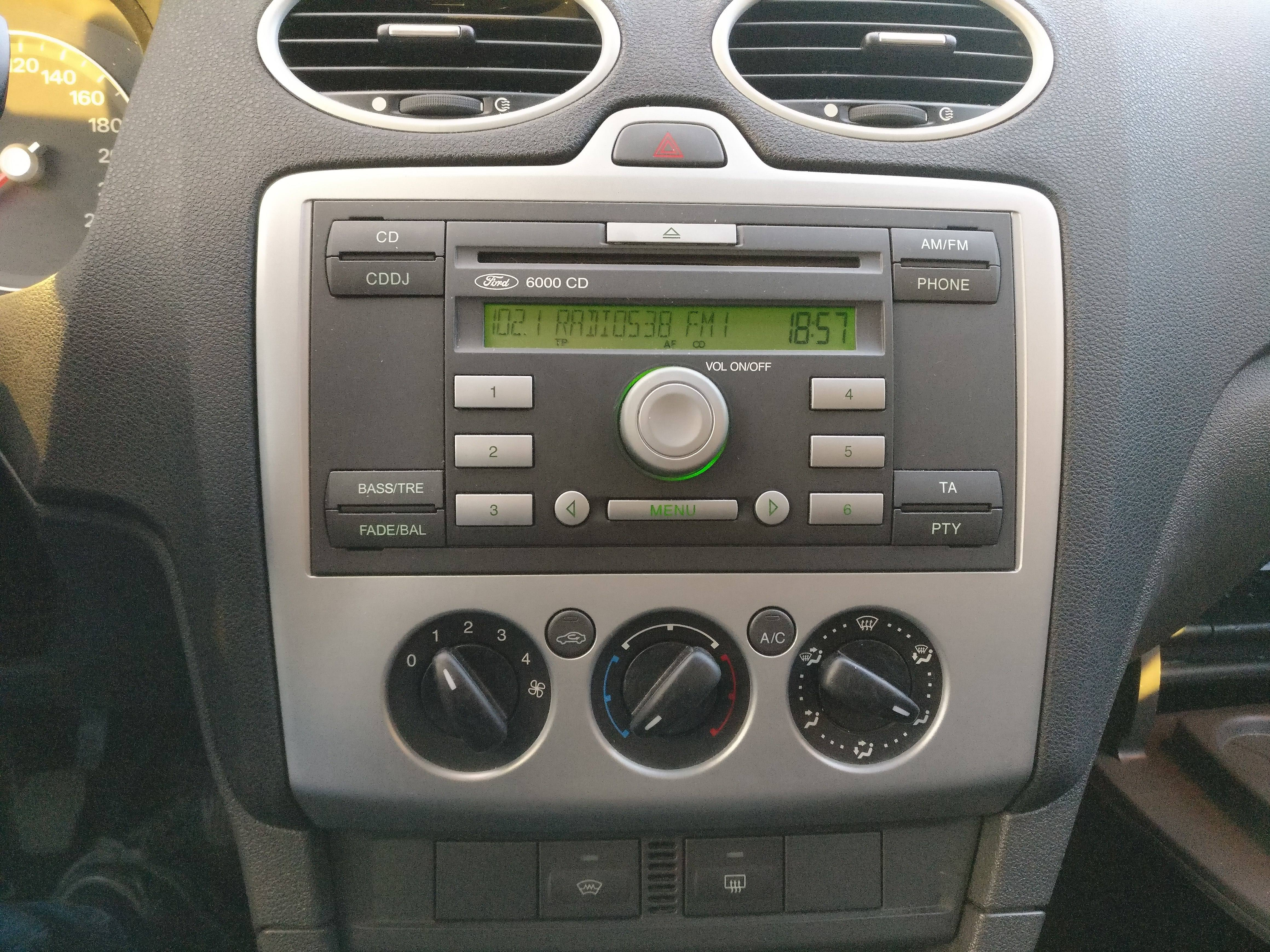 ford radio wisselen 6000cd verkeer vervoer got. Black Bedroom Furniture Sets. Home Design Ideas