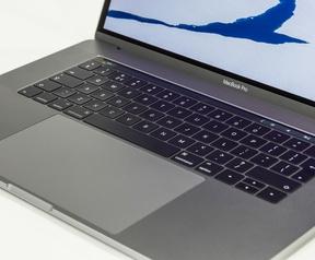 Apple MacBook Pro 15,4 2016