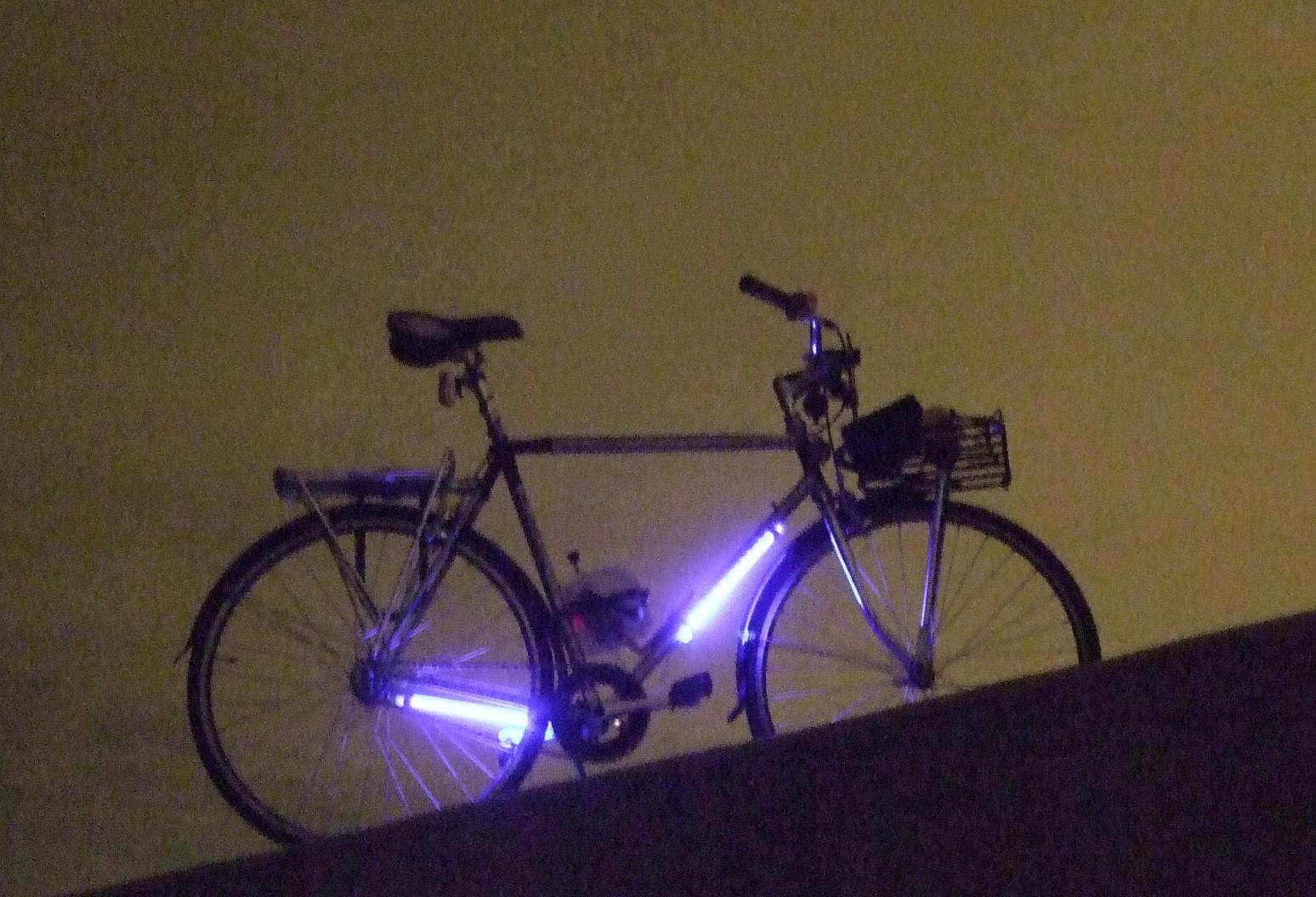 Fietsverlichting zonder batterijen - Hedendaagse wetenschap in het ...