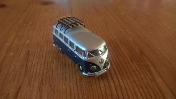 Modelbus met goed licht
