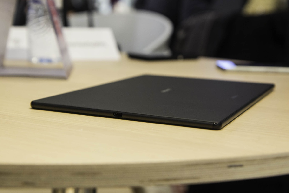 Sony Xperia Z4 Tablet Preview Een nette upgrade Tweakers