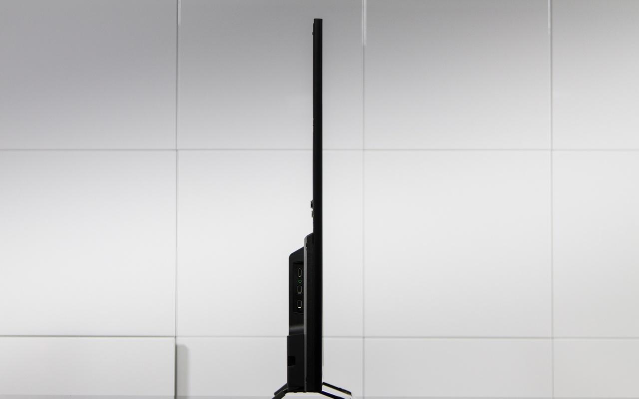 """Sony 50"""" w8 review   uiterlijk en aansluitingen   tweakers"""