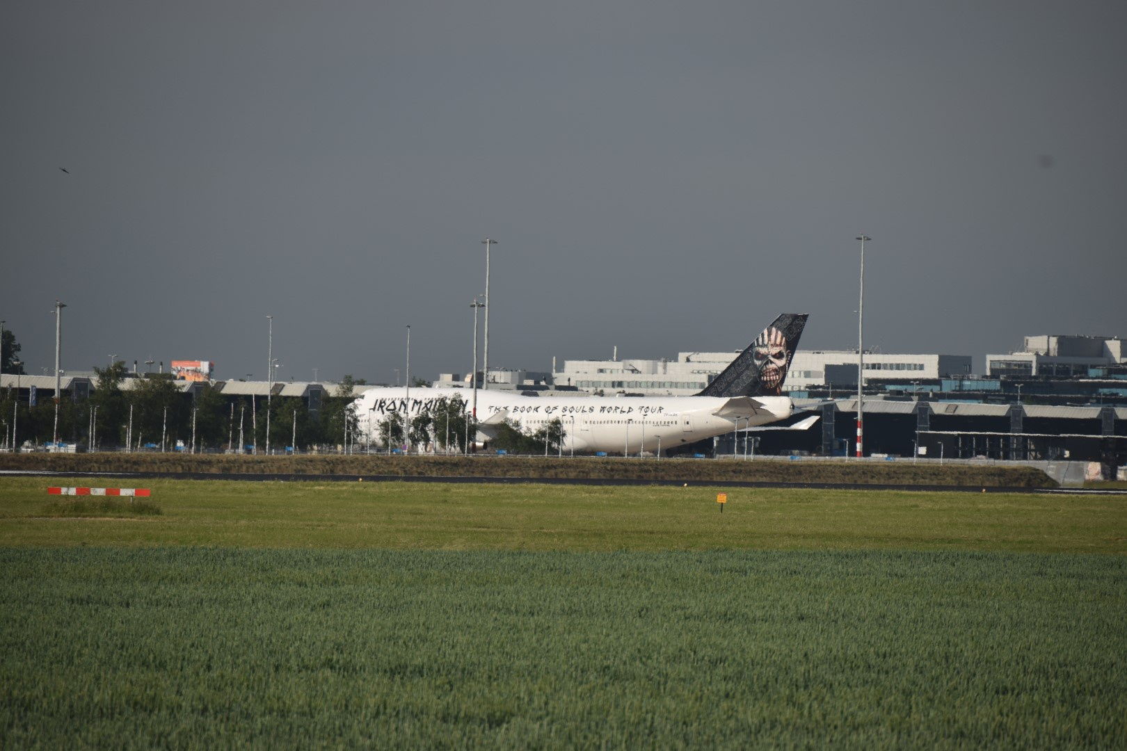 Iron Maiden - Ed Force One - Schiphol, Amsterdam (01)