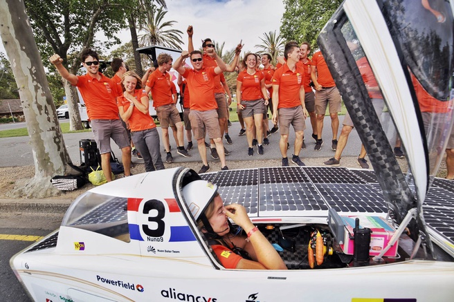 Nuon Solar Team wint World Solar Challenge 2017