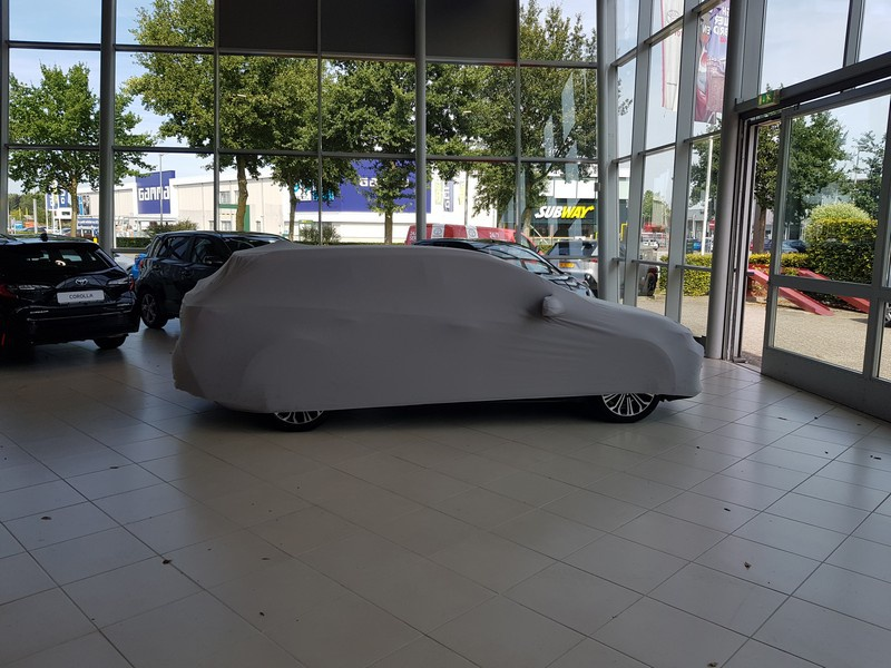 Corolla onder doek zijkant