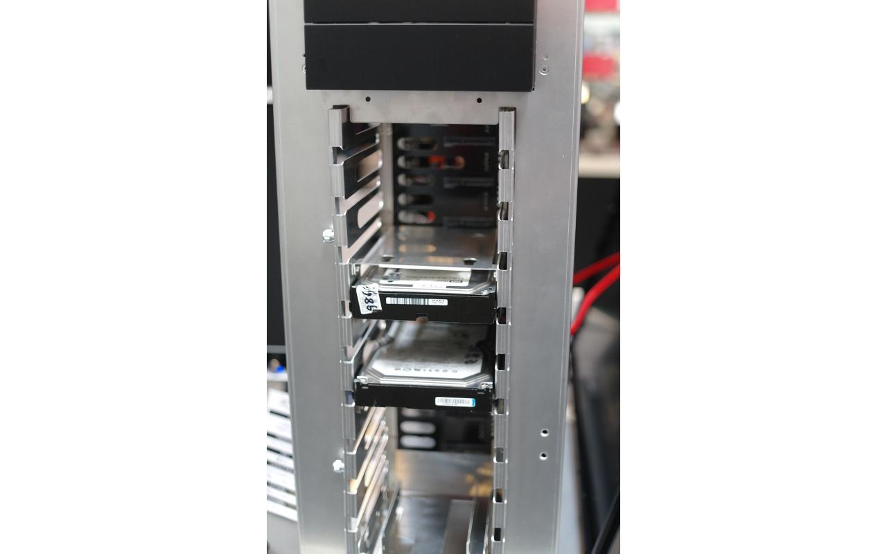 Lian Li PC-Z70 harde schijven